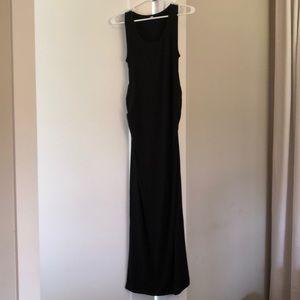 S- black sleeveless maternity maxi dress